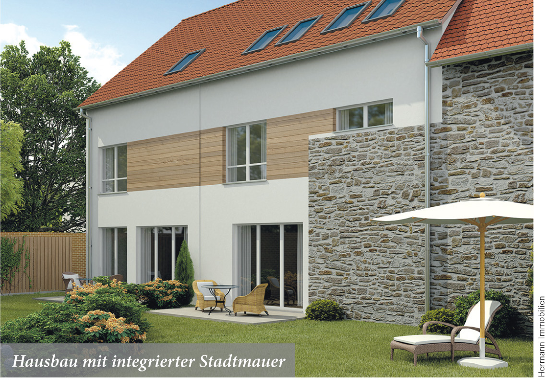 Hausbau mit integrierter Stadtmauer