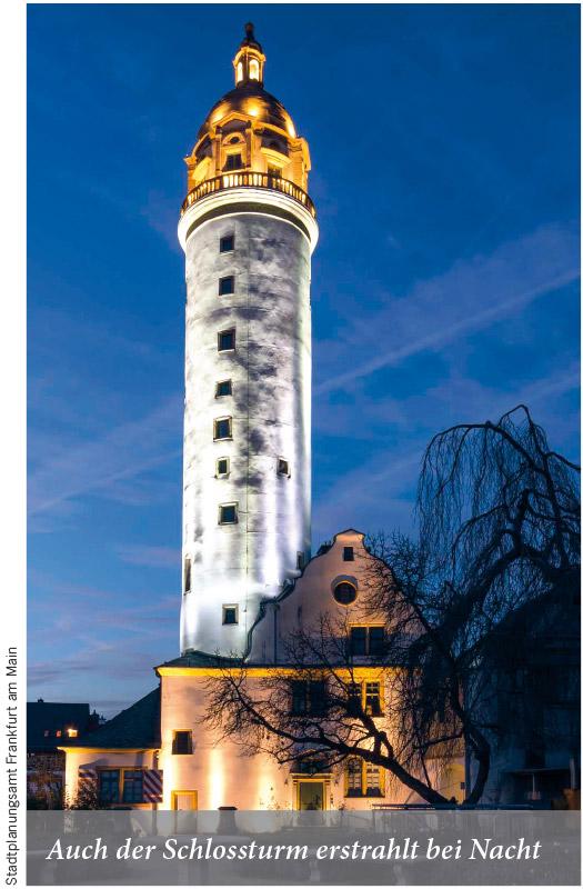 Auch der Schlossturm erstrahlt bei Nacht