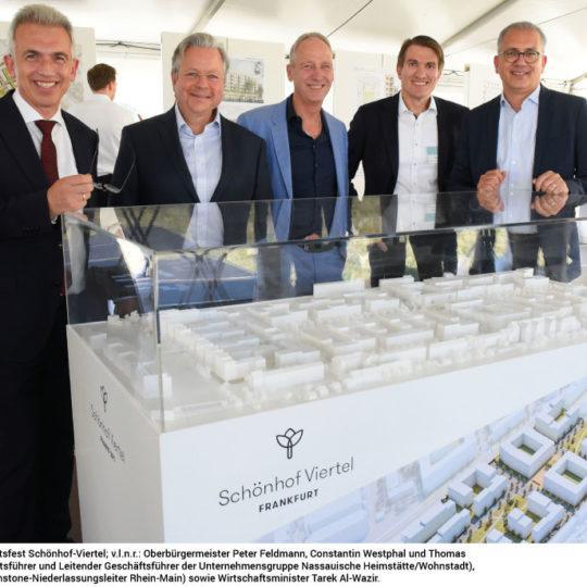 Hessischer Wirtschaftsminister zu Besuch im Schönhof-Viertel